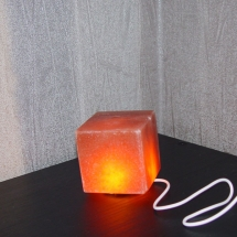 USB-PINK-SALT-LAMP-CUBE-SHAPE
