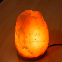 salt-lamp-medium-4-6kg-with-wood-base-himalayan-pink-crystal-lights-table-desk-floor-bedroom